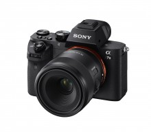 "Sony expands ""Full-frame Mirrorless"" line-up"